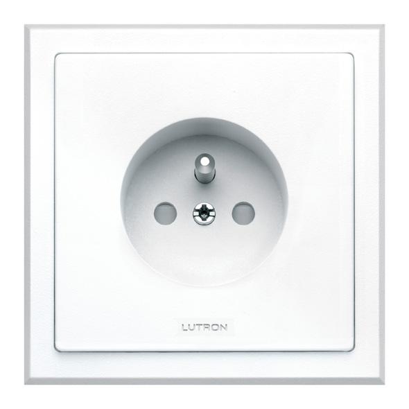 lutron rn re16 b iaw m prise de courant 2p t lutron blanc 16a 250v avec cadre. Black Bedroom Furniture Sets. Home Design Ideas